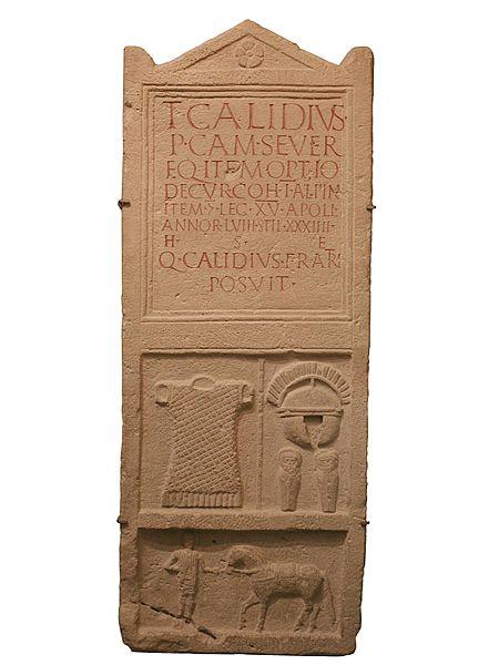 450px-Grabstein_Titus_Calidius_Carnuntum